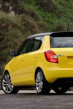 Skoda Fabia RS, a little blitzing monster with ample output. Volkswagen, Miniature Cars, Skoda Fabia, Yellow Car, Future Car, Vehicles, Live Life, Motors, 4x4
