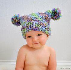Patrón de crochet libre para hacer de este adorable doble pom pom sombrero!