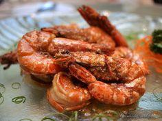 Recette de crevettes au barbecue, à la plancha, marinées au citron, à l'ail, à la coriandre fraîche, au piment, sauce beurre citron (cuisine du Brésil)