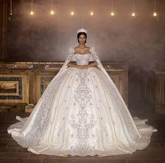 Extravagant Wedding Dresses, Desi Wedding Dresses, Wedding Dresses With Flowers, Beautiful Wedding Gowns, Bridal Dresses, Quince Dresses, Looks Chic, Marie, Ball Gowns