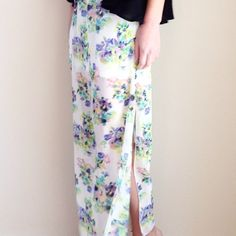 floral maxi skirt offers welcome size small floral maxi skirt with elastic waist, side slits, and sheer floral overlay on top of a mini lining. •080055•  instagram: @xomandysue Skirts Maxi
