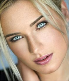 """The beauty of a woman must be seen from in her eyes; that is the doorway to her heart, the place. Most Beautiful Eyes, Beautiful Girl Image, Stunning Eyes, Gorgeous Eyes, Pretty Eyes, Cool Eyes, Beautiful Blonde Girl, Cute Faces, Woman Face"