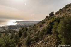 Costa de Fuengirola vista desde el sendero hacia la Mina de la Trinidad en Benalmadena