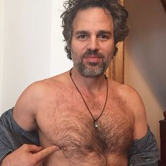 Mark Ruffalo and Samuel L. Jackson Tweet Photos of Their Nipples to Raise Awareness of Male Breast Cancer