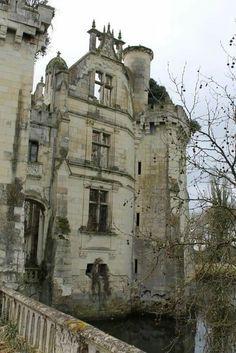 Château de la Mothe-Chandeniers, Les Trois-Moutiers, Vienne