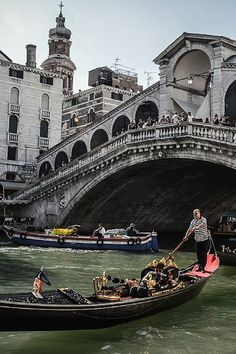 Gondolier under the Rialto Bridge in Venice, Italy // Venezia, Italia