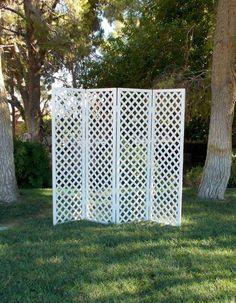 LATTICE-FOLDING-SCREEN High Use alone or place several together to form a backdrop Also use in conjunction with our arches Lattice Screen, Lattice Fence, Craft Font, Patio Privacy Screen, Craft Booth Displays, Backdrop Design, Covered Pergola, Craft Show Ideas, Home Decor