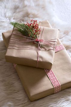 These Creative Christmas Wrapping Ideas Will Dress Up Your Most Special Gifts Gift Wrapping Ideas - Creative Christmas Gift Wrapping Ideas - Country Living Wrapping Ideas, Wrapping Gift, Christmas Gift Wrapping, Christmas Presents, Brown Paper Wrapping, Holiday Gifts, Noel Christmas, Rustic Christmas, Christmas Crafts