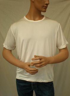Åndbare og lette mænds silke tanktop  silke T-shirts, som holder dig kølig i solen og holde på varmen i kulden.