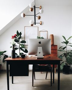 Old meets new in a cosy Danish home office. Old meets new in a cosy Danish home office. Mesa Home Office, Home Office Design, Home Office Furniture, Home Office Decor, Home Decor, Office Table, Furniture Dolly, Office Designs, Wooden Furniture