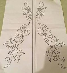 I love the blend of asymmetry and symmetry in this one pattern. Hand Embroidery Patterns, Applique Patterns, Ribbon Embroidery, Beaded Embroidery, Embroidery Stitches, Machine Embroidery, Saree Painting Designs, Wreath Drawing, Sewing Art