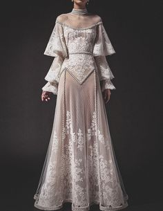 """aishwaryaaraiii: """"Top 5 Looks from Krikor Jabotian SS 2019 Collection """" Elegant Dresses, Pretty Dresses, Robes Vintage, Fantasy Gowns, Mode Outfits, Beautiful Gowns, Dream Dress, Costume Design, Ball Gowns"""