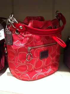 Low cost real Coach handbags, all models of Coach purses and handbags at cheap rates. Shop many brands of designer purses and handbags at cheap prices. Discount Coach Bags, Discount Handbags, Handbags Online, Cheap Coach Handbags, Cheap Coach Bags, Purses And Handbags, Couch Bag, Coach Purses Outlet, Wholesale Handbags