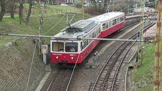 Зубчатый электропоезд в Будапеште, Венгрия, 31.03.2016 Rack railway electric train in Budapest, Hungary, 31.03.2016
