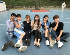 Best Friend Pictures, Friend Photos, Ulzzang Couple, Ulzzang Girl, Korean Couple, Korean Girl, Funny Group Photos, Teen Web, Boy And Girl Friendship