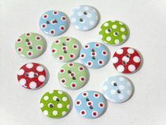 12 Round Dot Pattern Wooden Buttons