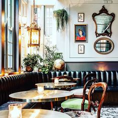 CONCIERGE: Introducing Kittyhawk, your new bar to try tonight. See Sydney's new 1940s Paris-inspired bar,  in Sydney's Phillip Lane. Visit  VogueLiving.com.au now or see link in bio. #VogueLiving #loveVL #Sydney #Kittyhawk #hospitality #bar #art #Paris #inspired #1940s #interior #design