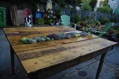 I just made the table.... Now for the plants n the middle!!!