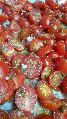 Ran an die Tomaten - der Garten quillt über: Ofentomaten aus der storykitchen mit Falksalt Wild Garlic und Kräuter der Provence 2.0 vom Alten Gewürzamt