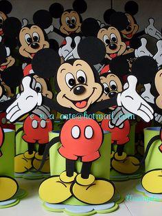 Porta treco Mickey Mouse by * * * e.v.a. é meu VÍCIO* * *, via Flickr