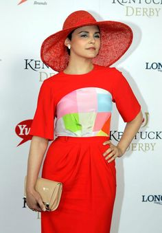 Actress Ginnifer Goodwin arrives for the 138th Kentucky Derby horse race at Churchill Downs Saturday, May 5, 2012, in Louisville, Ky
