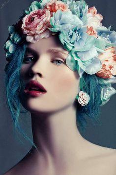 Un #peinado de flores muy original