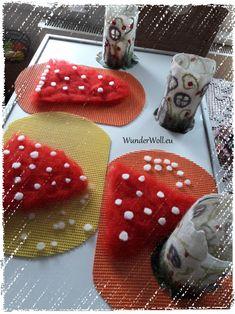 Felt course, fairytale lamp, magic lamp Source by Nuno Felting, Needle Felting, Felt Crafts, Diy And Crafts, Felt Mushroom, Clay Fairy House, Clay Fairies, Felt Fairy, Felting Tutorials