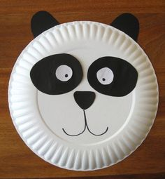 Easy DIY Paper Plates Crafts For Kids to decorate kids room and class room. Kids crafts ideas to make paper plate fishes,sun,moon and clown Paper Plate Crafts For Kids, Animal Crafts For Kids, Animals For Kids, Diy Crafts For Kids, Arts And Crafts, Craft Ideas, Kids Zoo, Easy Crafts, Diy Ideas
