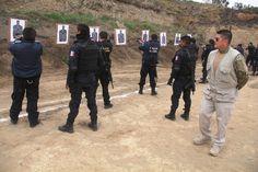 Capacita SSPE a directores de seguridad de municipios   ·         Se efectuó una capacitación especializada en uso de armas de fuego                   Con la presencia de más de 40 directores de seguridad de los diferentes municipios, la Secretaría de Seguridad Pública del Estado (SSPE) y como parte de la cuarta reunión del año, se llevó a cabo una capacitación especializada de tiro.