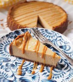 Taivaallinen suolainen kinuskijuustokakku – Salted Caramel Cheesecake | Kulinaari Salted Caramel Cheesecake, Cheesecake Recipes, No Bake Desserts, Vegan Desserts, Savory Pastry, Sweet Pastries, Sweet Cakes, Sweet And Salty, Desert Recipes