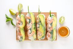 Shrimp and Avocado Summer Rolls (Fresh Spring Rolls) Shrimp Spring Rolls, Fresh Spring Rolls, Summer Rolls, Fresh Rolls, Asian Recipes, Healthy Recipes, Ethnic Recipes, Spring Roll Wrappers, Peanut Dipping Sauces