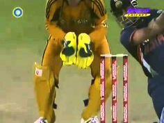 Sachin Tendulkar 175 off 141 Balls 5 Sixes & 14 fours