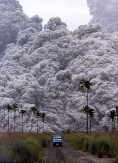 Escaping the Volcano..Pinatubo Eruption 1991