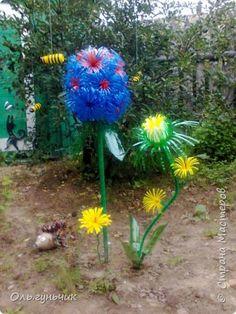 Ландшафтный дизайн Мастер-класс Моделирование конструирование Цветок из бутылок МК Бутылки пластиковые фото 1