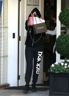 04.08.15: Kylie leaving Epione Cosmetic Dermatology in Beverly Hills