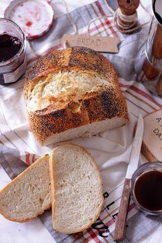 Happy Kitchen.: Prosty chleb codzienny (na drożdżach).