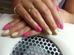 Neon pink and lemon nails