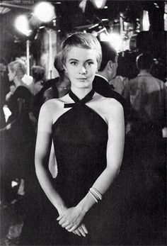 jean seberg... totally doing this cut after the wedding!