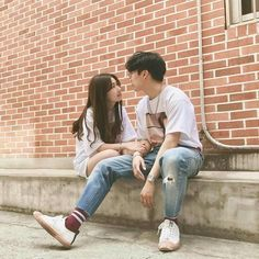 Find images and videos about love, cute and couple on We Heart It - the app to get lost in what you love. Couple Goals, Cute Couples Goals, Cute Relationship Goals, Cute Relationships, Couple Relationship, Couple Posing, Couple Shoot, Korean Couple Photoshoot, Senior Photography