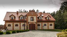 Stajnia - jedyny na terenie Skansenu obiekt murowany