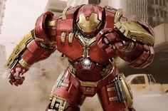 Hot Toys divulga imagens oficiais da nova armadura Hulkbuster