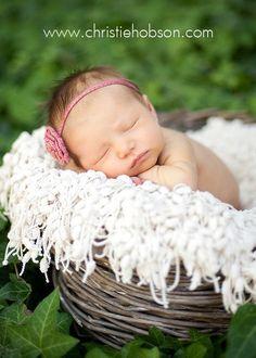 Orange County Newborn Photographer | Christie HobsBeautiful outdoor newborn photo