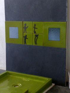Composición azulejos y lavabo cuadrado hecho a mano