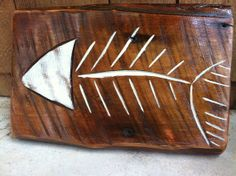Painting on barn wood 'fish bones' barn wood sign Whale Crafts, Fish Crafts, Beach Crafts, Driftwood Fish, Driftwood Signs, Barn Wood Projects, Wooden Fish, Barn Wood Signs, Pallet Art