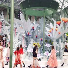 """Cast away to Karl Lagerfeld's tropical island oasis for @CHANELofficiaI #hautecouture #fashion"""