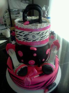 DAWN MCDOUGALL SKIDMORE'S BEAUTIFUL BIRTHDAY CAKE!!