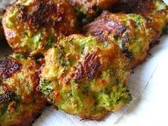 For you Jennifer :) Broccoli Bites - 4 clean ingredients- YUM! Veggie Dishes, Vegetable Recipes, Vegetarian Recipes, Cooking Recipes, Healthy Recipes, Side Dishes, Broccoli Recipes, Broccoli Balls Recipe, Fast Recipes