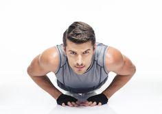 Si estás lejos del gimnasio o este año has decidido entrenar todo el cuerpo en casa y sacar provecho a tu esfuerzo, hoy dejamos 30 ejercicios...