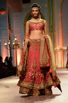 Mandira Wirk. India Bridal Fashion Week, 2013.