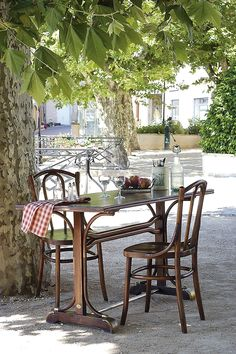 la closerie Fresco, Come Dine With Me, Balcony Deck, Outdoor Furniture Sets, Outdoor Decor, Outdoor Areas, Simple Pleasures, Outdoor Entertaining, Decoration